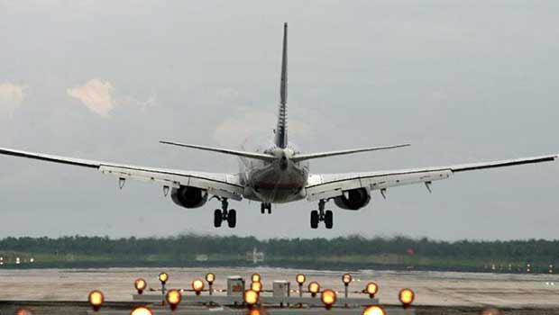 Tráfico aéreo México-EU registra fuerte desaceleración