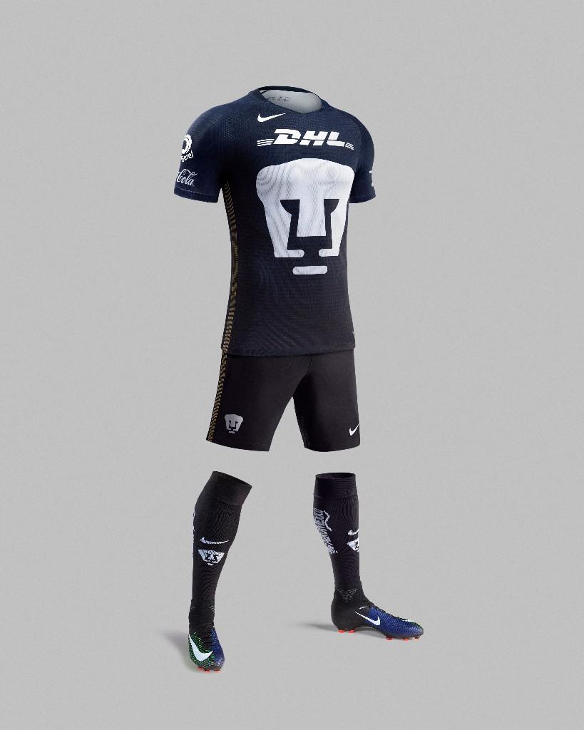 22e64ccdd Pumas se luce con tercer uniforme para Clausura 2017