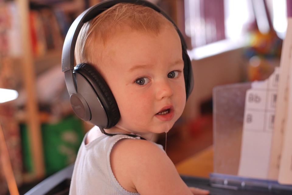 No, escuchar a Mozart no hará más inteligente a tu hijo