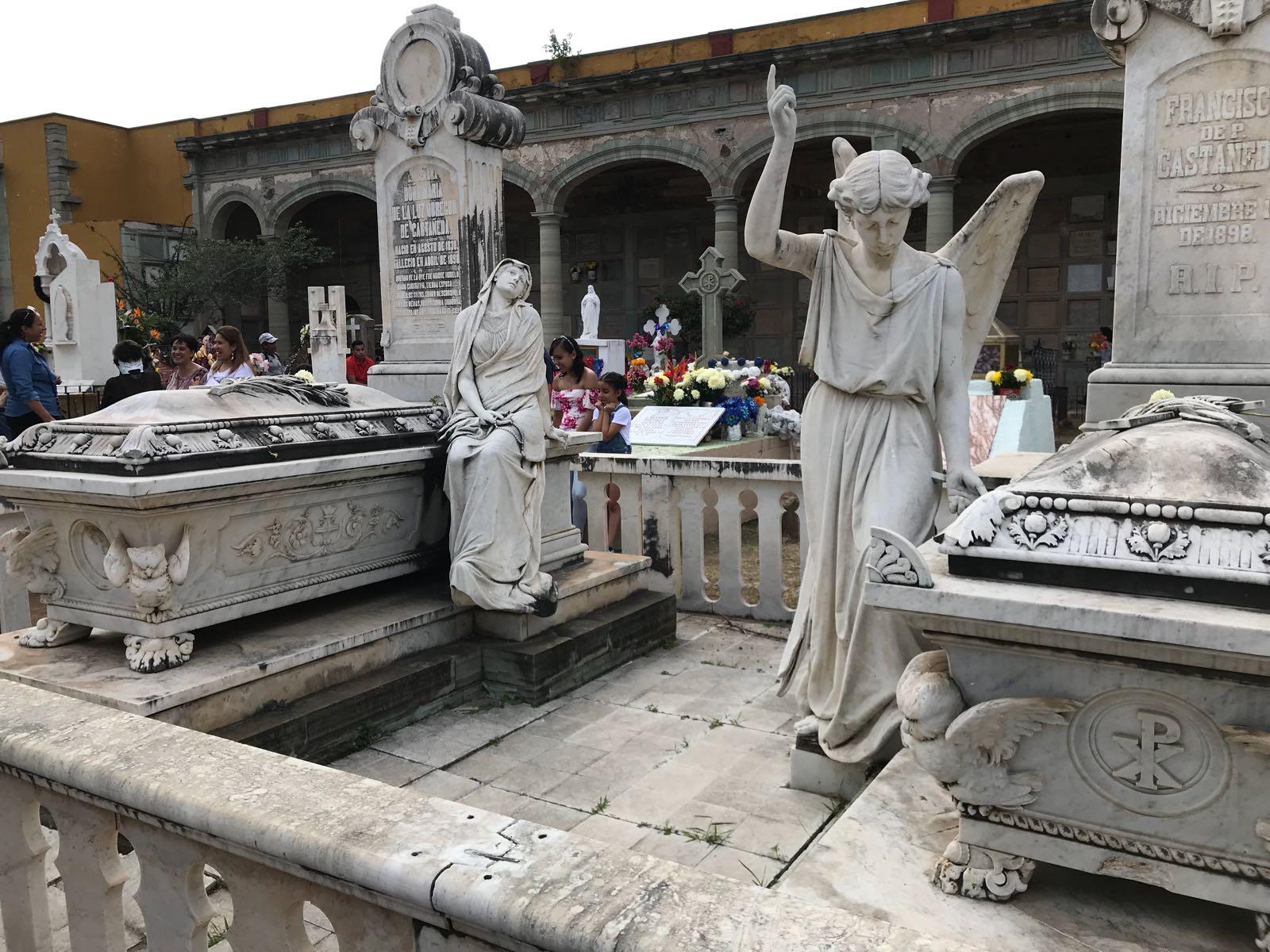 El Panteón de Santa Paula es hoy una reliquia histórica.