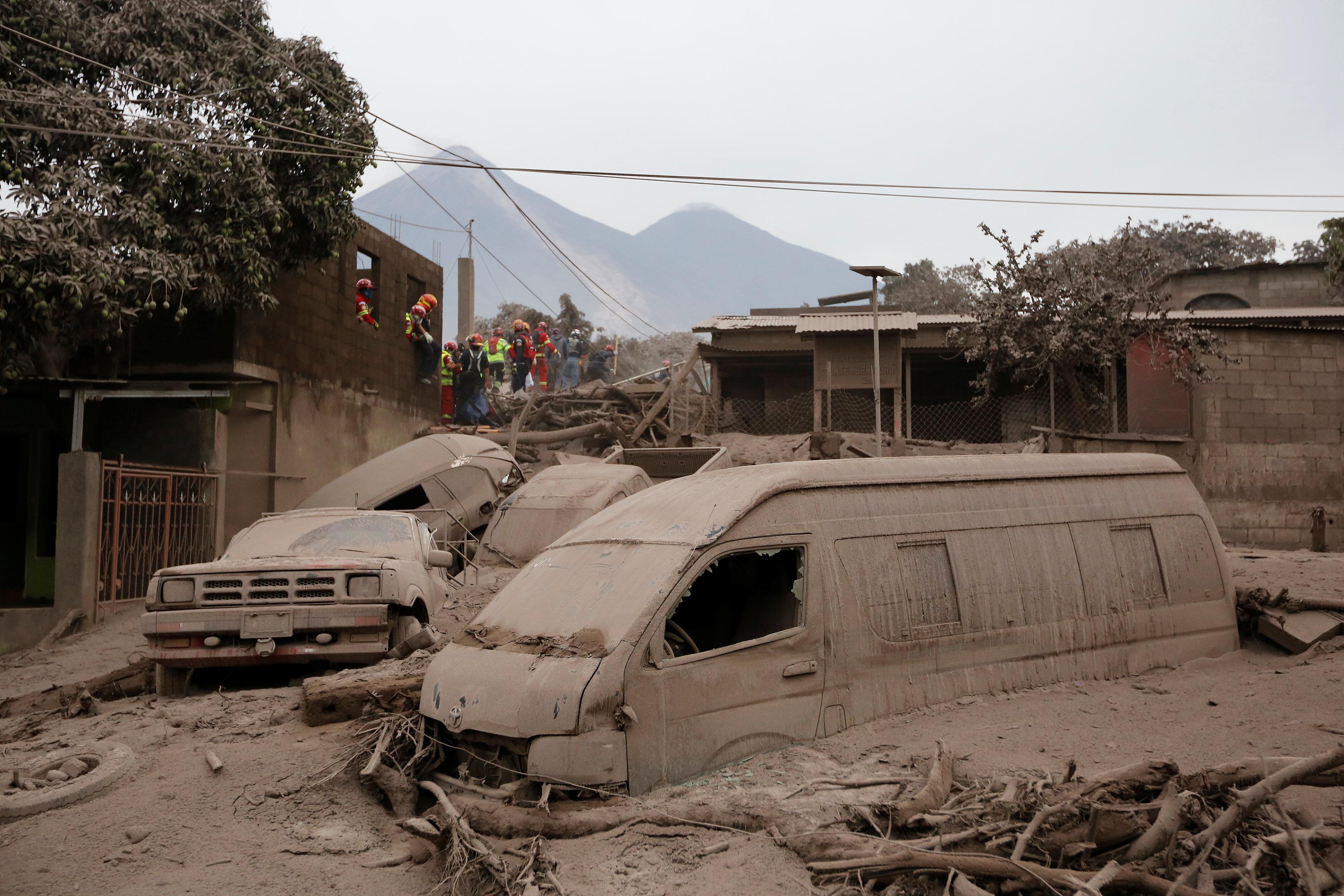 Resultado de imagen para afectados por erupcion volcan fuego