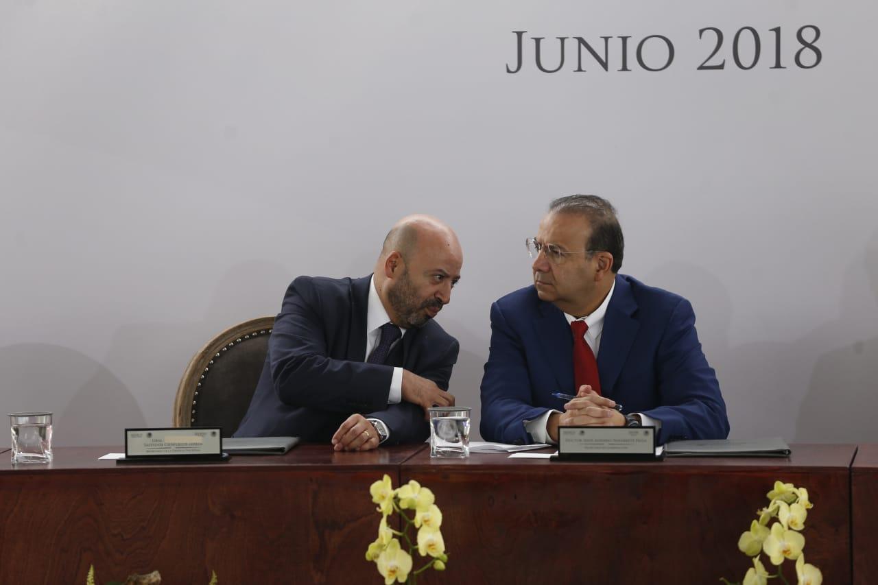 Renato Sales y Alfonso Navarrete Prida