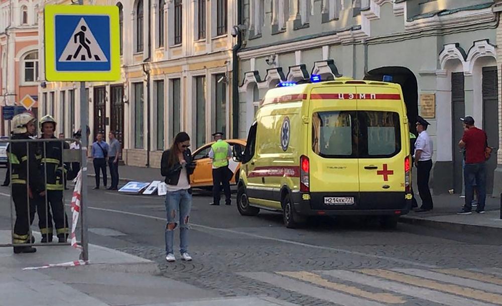 Conductor atropelló a grupo de turistas en Moscú
