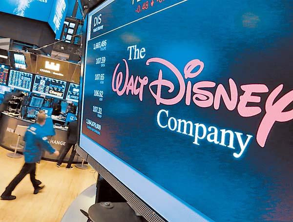 Walt Disney sube su apuesta por Fox a 71,300 mdd
