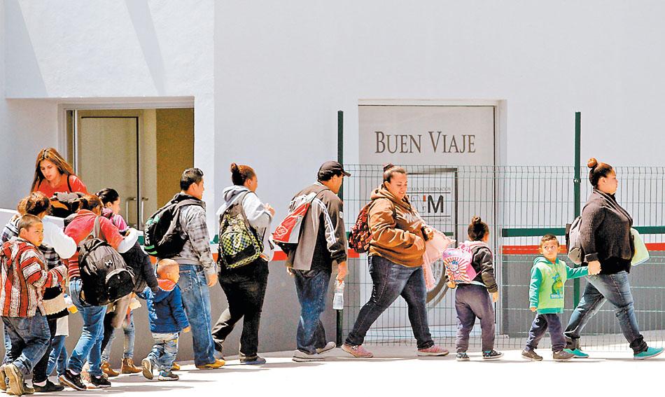 Donald Trump destaca leyes de inmigración... de México