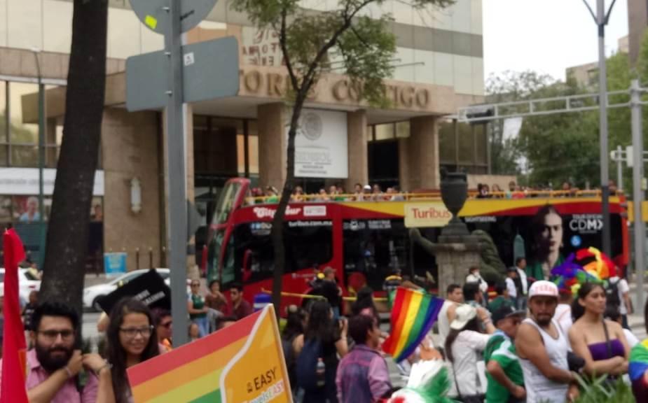 Registran 120 mil asistentes a la Marcha por el Orgullo LGBTTTI