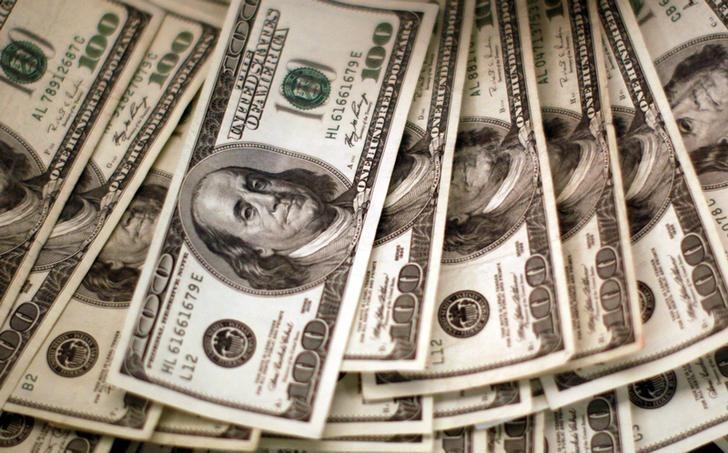 Peso se aprecia 1.5% ante debilidad global del dólar