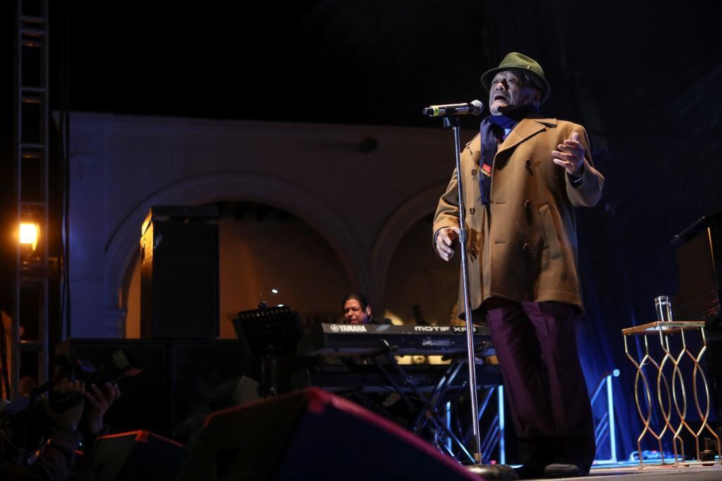 Confirman concierto de Armando Manzanero en La Habana