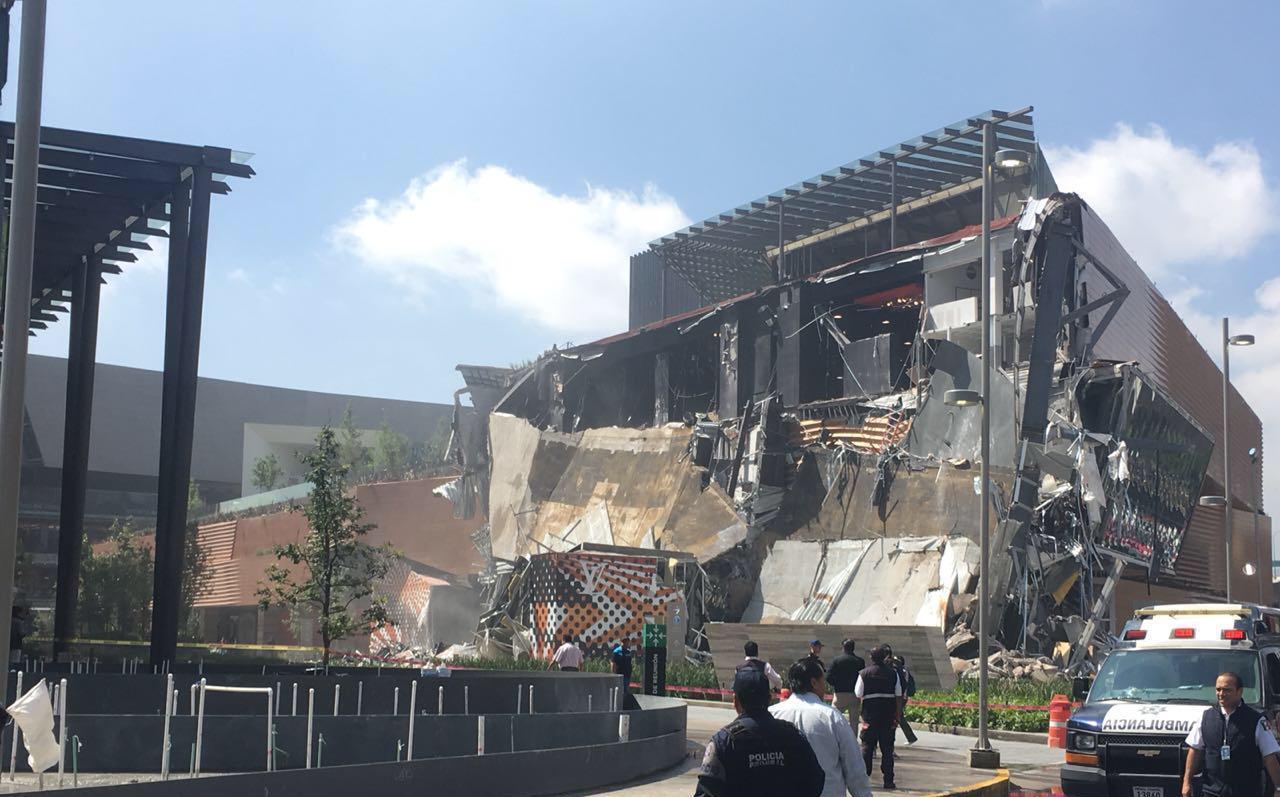 Videos muestran derrumbe de centro comercial en CDMX