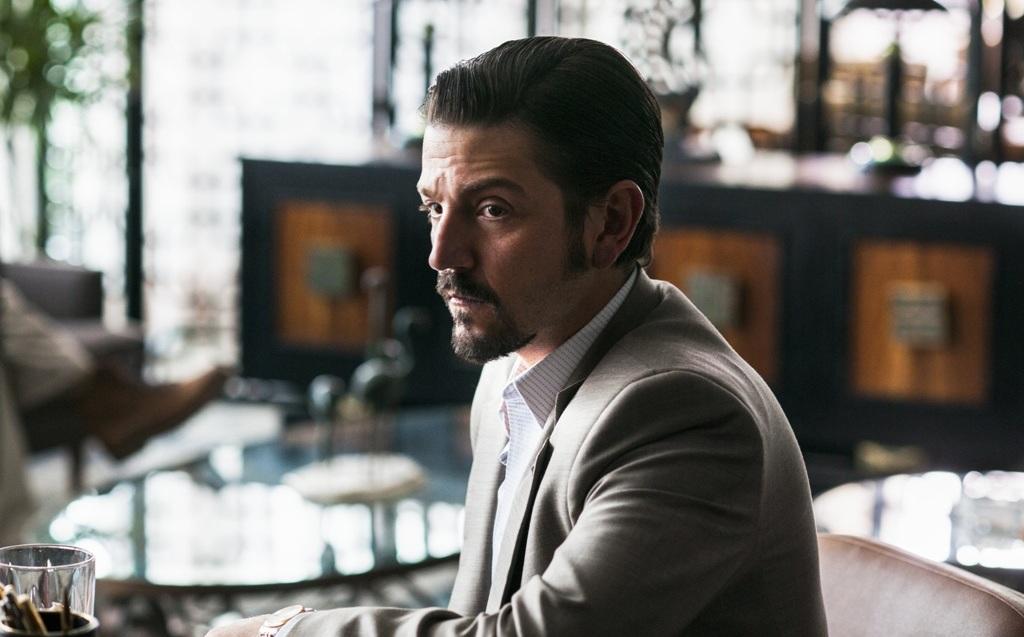 Foto ¿A quién interpreta Diego Luna en la serie Narcos?