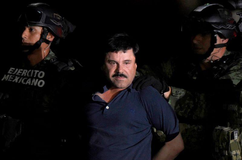 Liberan a policía detenido por fuga de 'El Chapo'