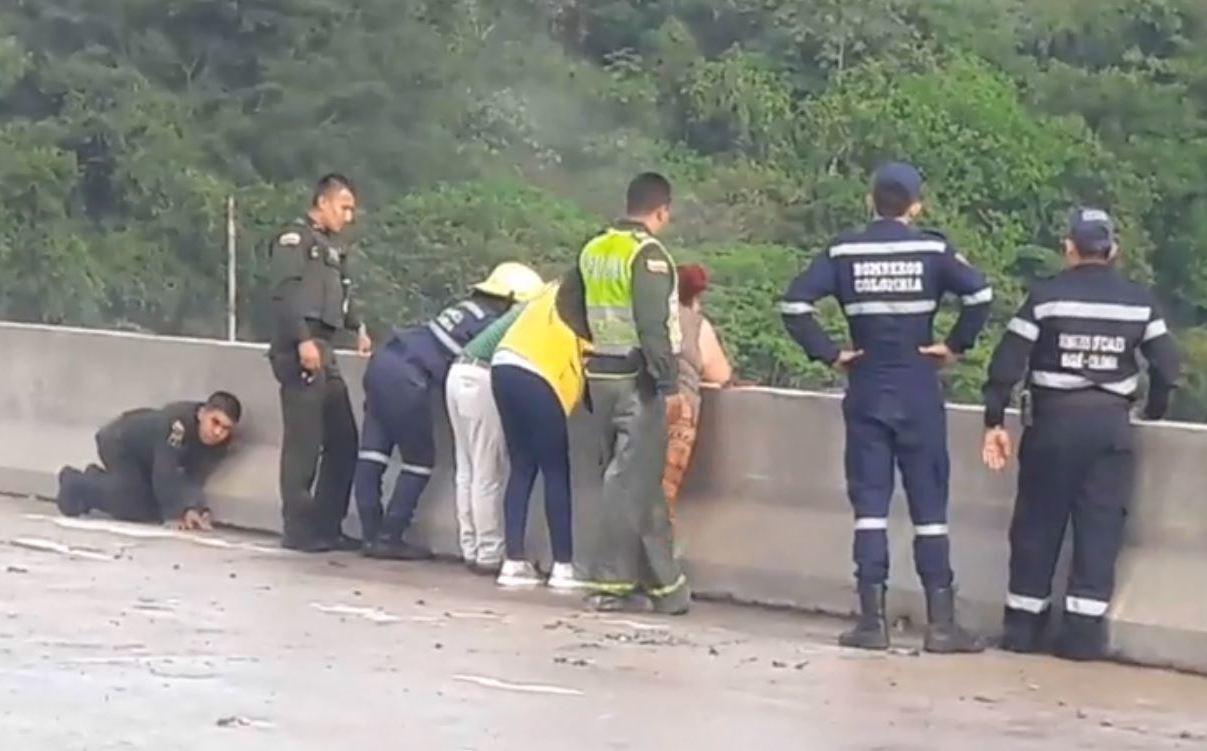 Colombia: Mujer se suicida con su hijo de 10 años en brazos