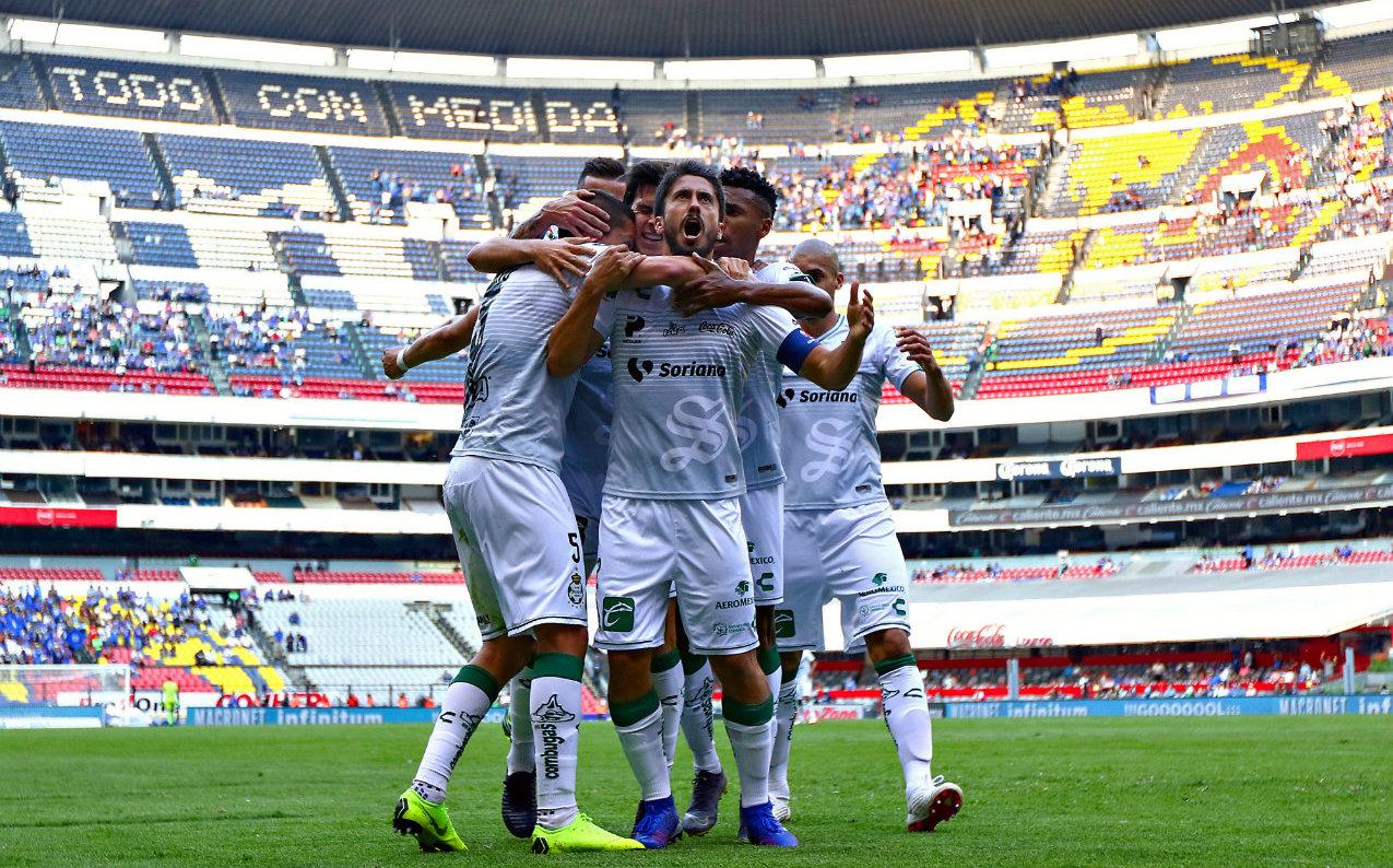 Santos viene de atrás y hunde más a Cruz Azul