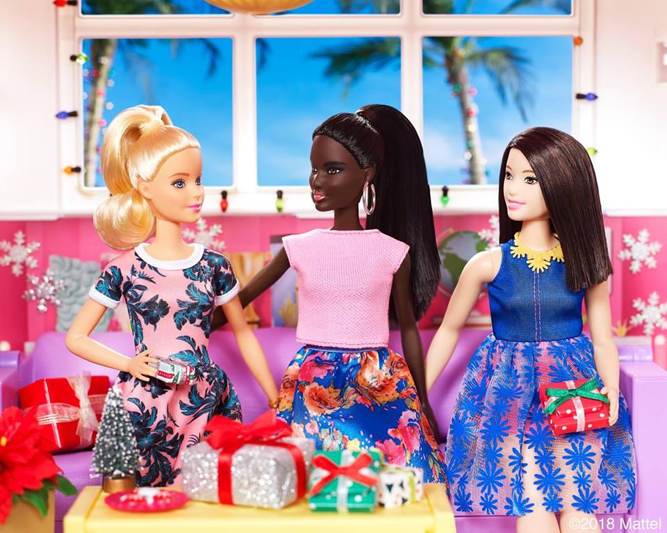 f993ecdfd Barbie y Puma se unen para sacar nueva colección de tenis y ropa