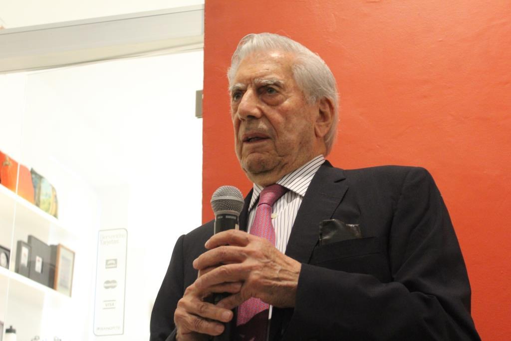 La democracia en México peligra: Vargas Llosa