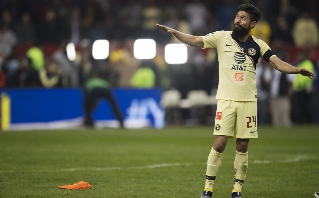 Oribe Peralta deja América y ficha con Chivas