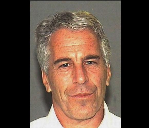 Negocia Epstein no ir a prisión durante el juicio