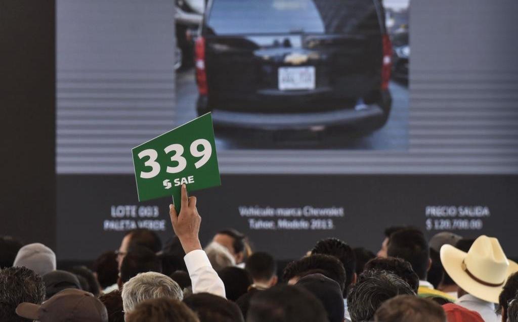 Subasta SAE de autos da al Senado 7 millones de pesos