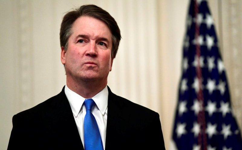 Demócratas piden destituir a Kavanaugh por acusación de abuso sexual