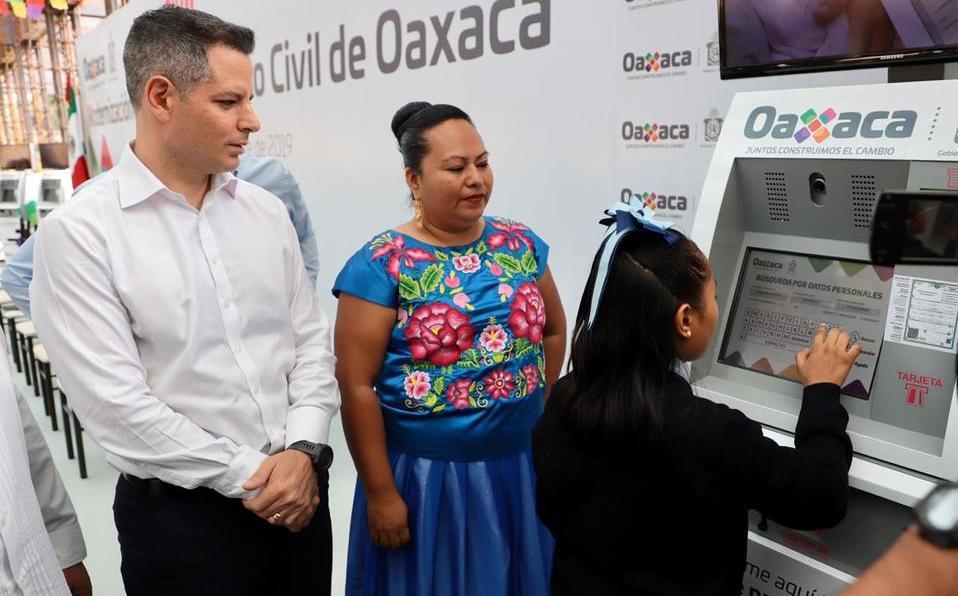 En Oaxaca, instalan cajeros para expedir actas de nacimiento - Milenio