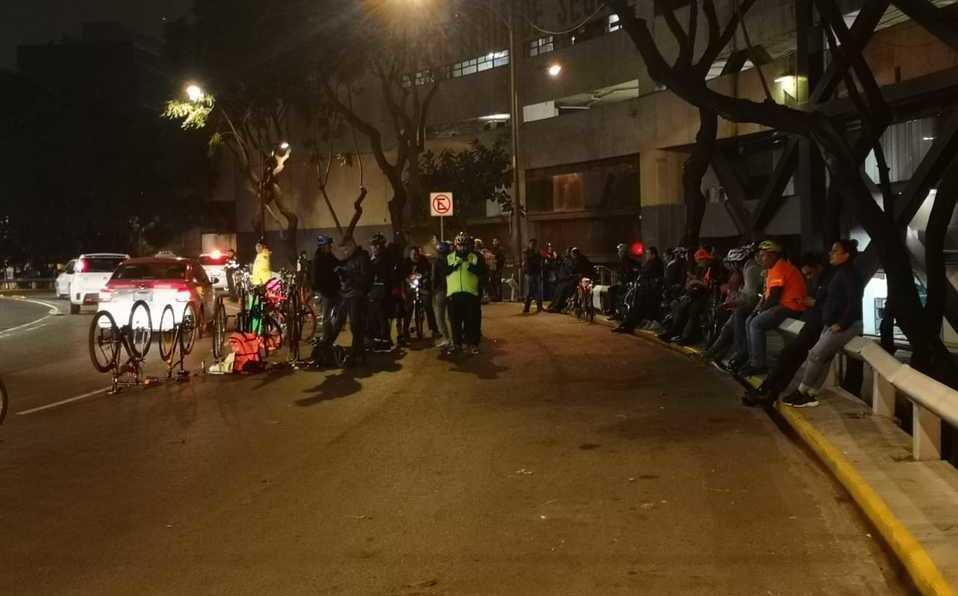 En Glorieta de Insurgentes, ciclistas protestan por violencia vial