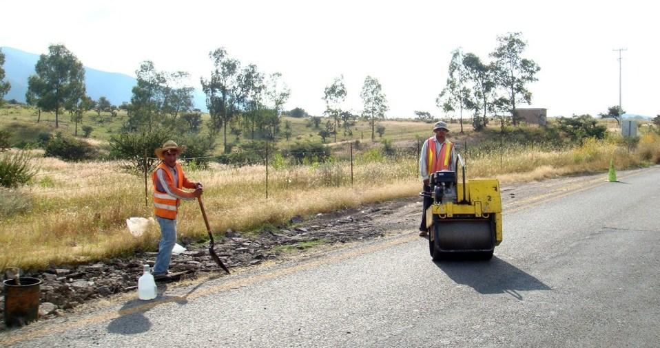 Limpiarán red de carreteras estatales en Celaya, León y Dolores - Milenio