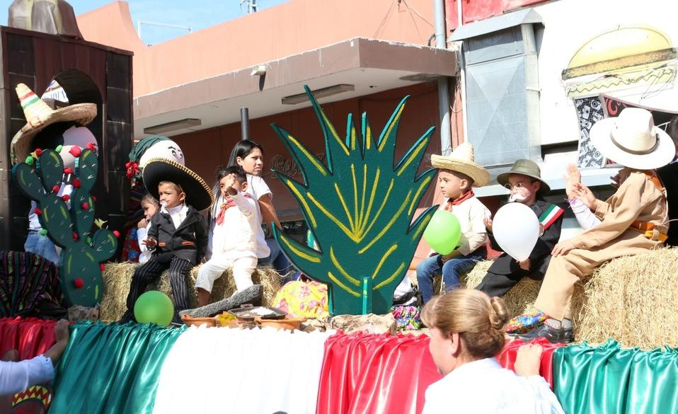 Tiene Guadalupe desfile por la Revolución Mexicana - Milenio