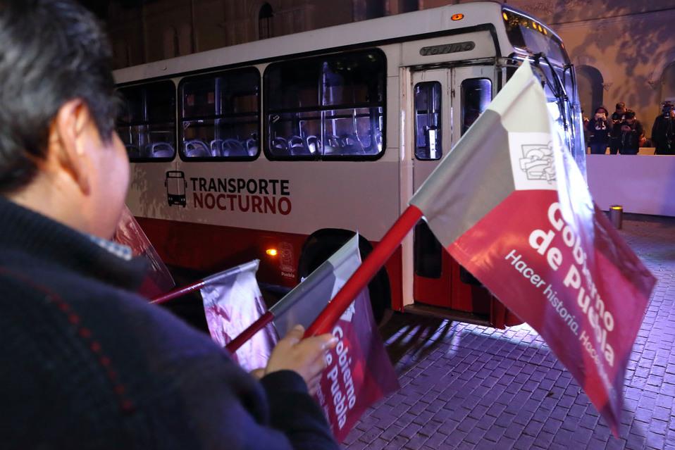 """Barbosa da banderazo de salida a """"Transporte Público Nocturno"""" - Milenio"""