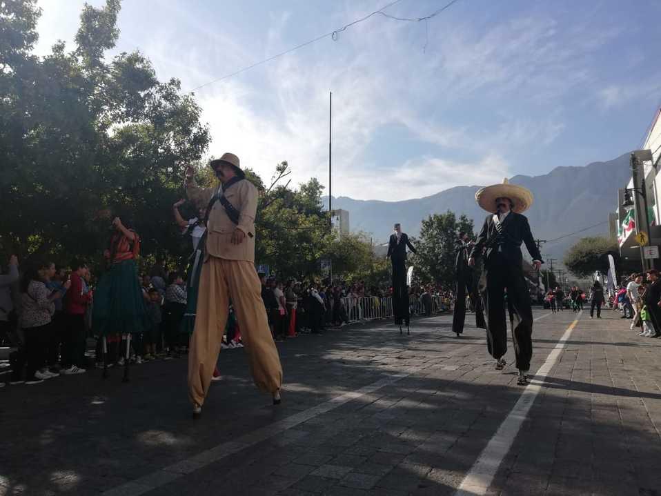 En NL, San Pedro realiza desfile por la Revolución Mexicana - Milenio