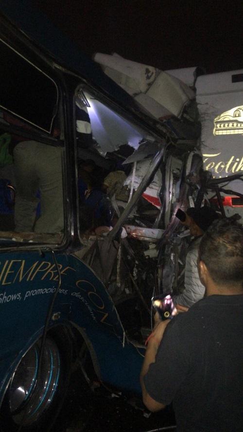 Choque en la México-Pachuca deja al menos 11 muertos y 25 heridos