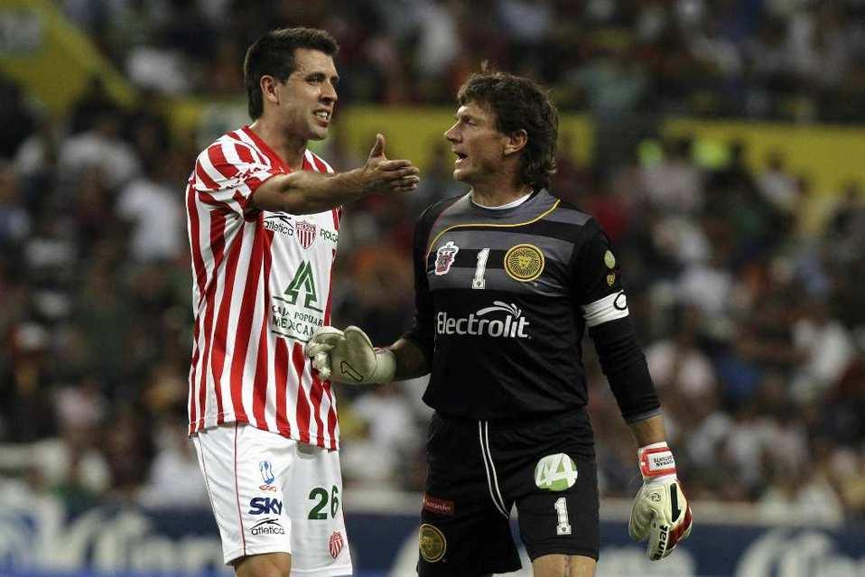 Entrenador de Pachuca revela que dejó Necaxa porque no le llegaron al precio cuando era futbolista