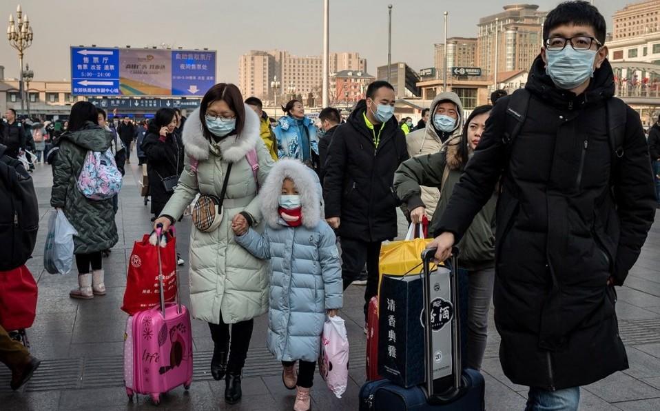 Aumenta a 9 muertos por brote de coronavirus en China; suman 400 casos