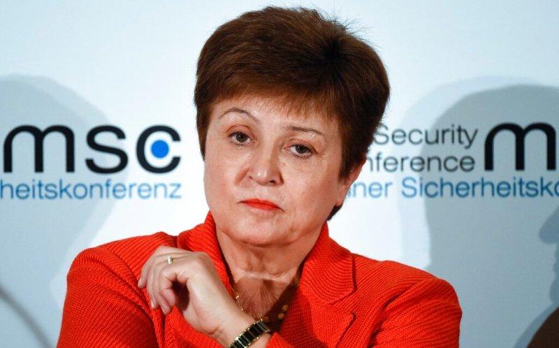 El coronavirus amenaza una débil recuperación global, advierte el FMI
