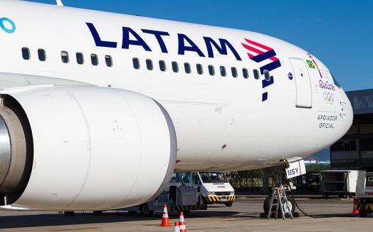 En Florida, demandan a aerolínea LATAM por abuso sexual a niño