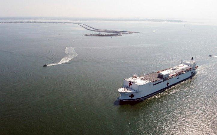 Coronavirus: NY recibe buque hospital mientras aumenta epidemia