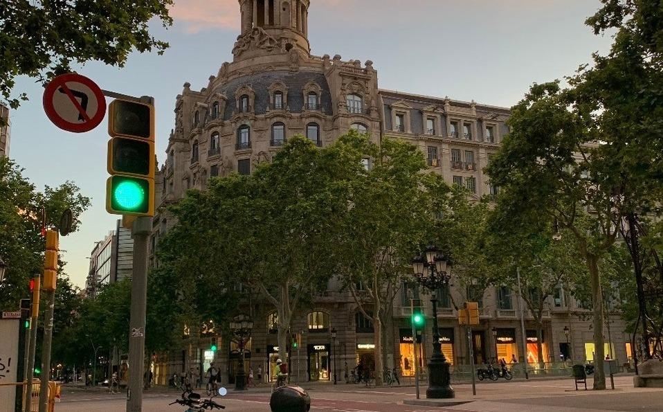Coronavirus. Tiendas de Barcelona lucen vacías tras reapertura