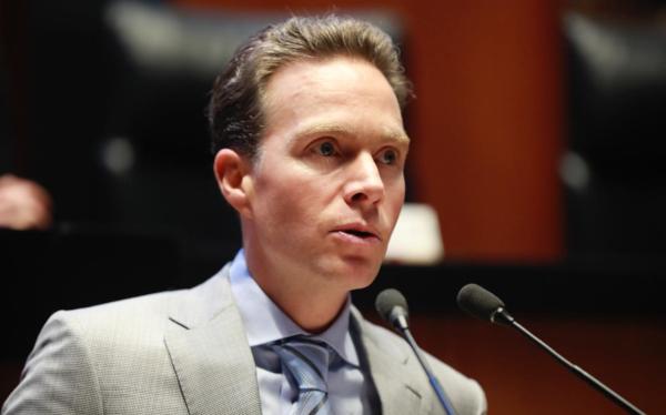 Velasco reconoce voluntad de diálogo de López-Gatell