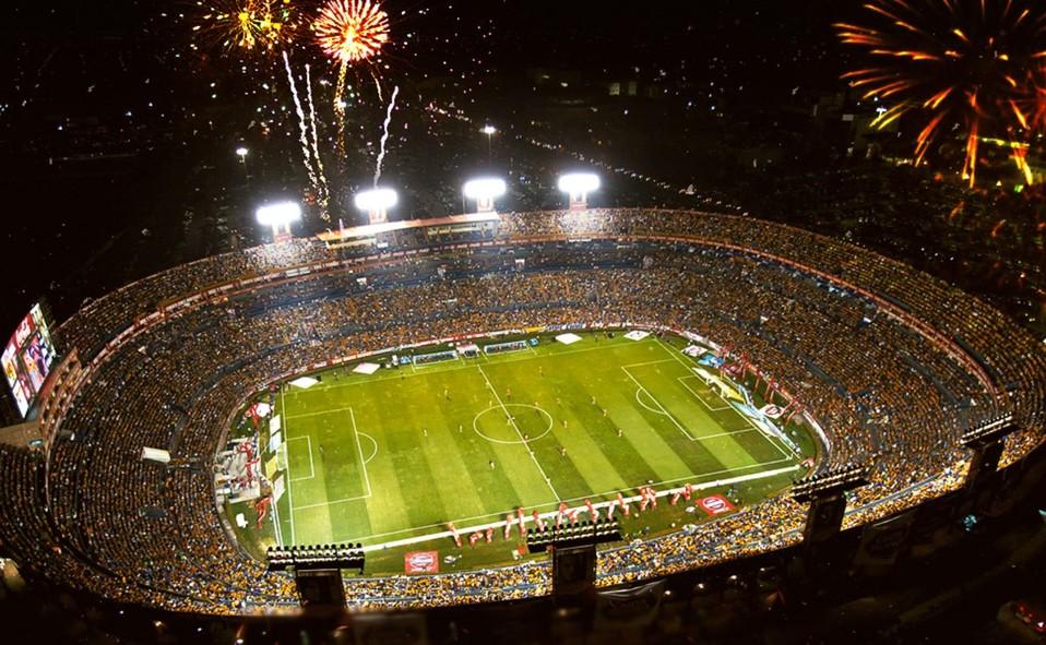 Estadio Universitario. ¿Por qué se le conoce como El Volcán?