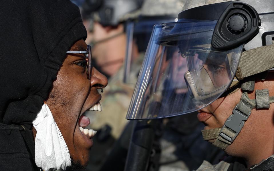 George Floyd. Protestas 'rebasan' a autoridades de Minneapolis