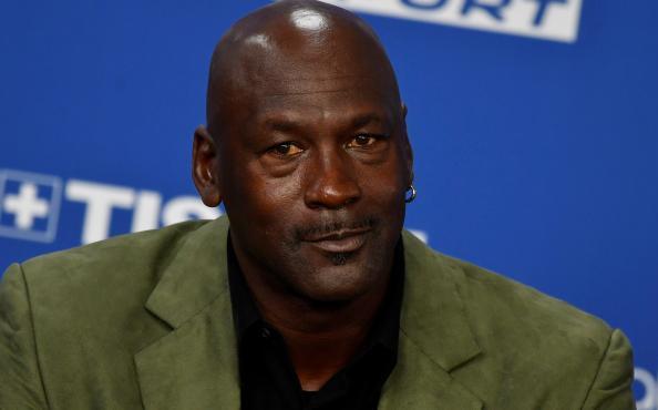 Michael Jordan estalla tras muerte de George Floyd: Ya fue suficiente