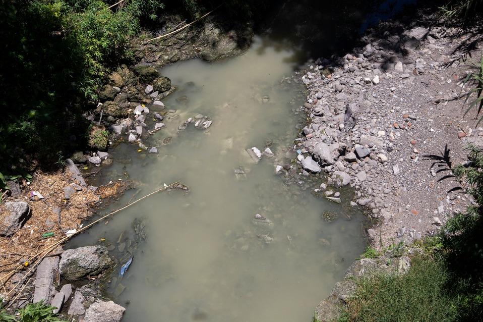 Contaminación en ríos es más peligrosa que coronavirus: Ambientalista