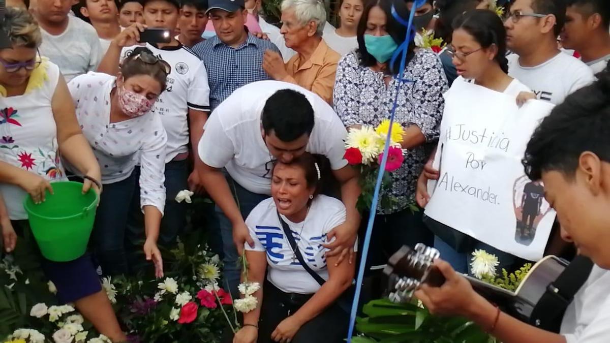 <br>Concluye el ombudsman de Oaxaca que policías ejecutaron a Alexander Martínez