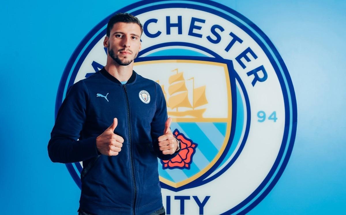 Manchester City confunde a Rúben Dias con futbolista del Napoli