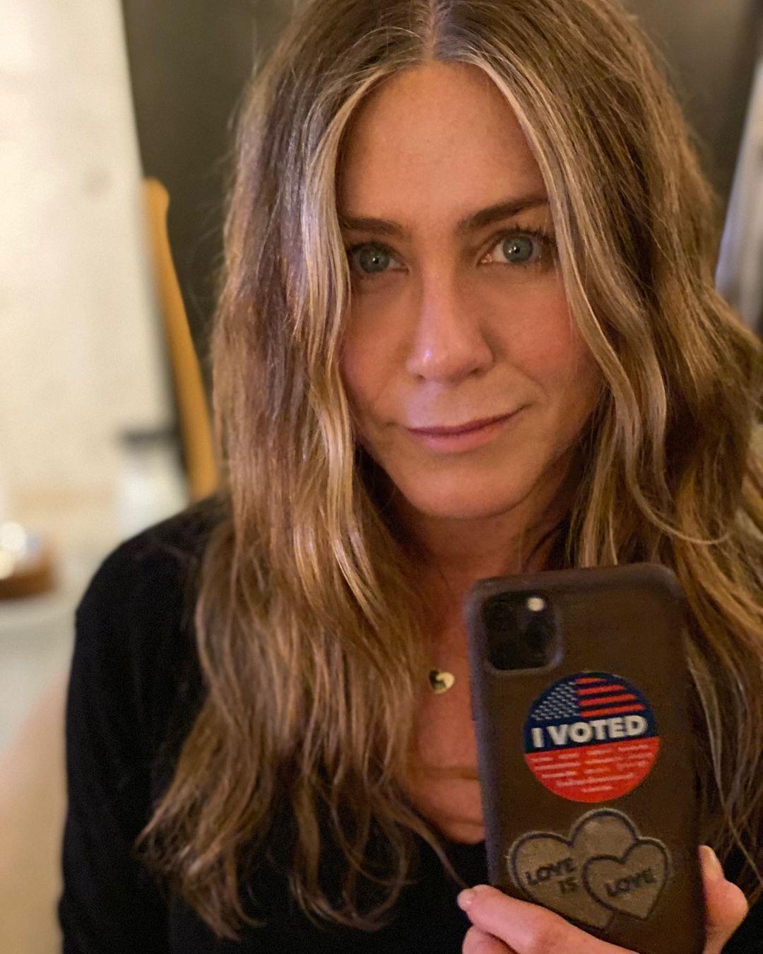 Jennifer Aniston pide no votar por Kanye West en elecciones de EU