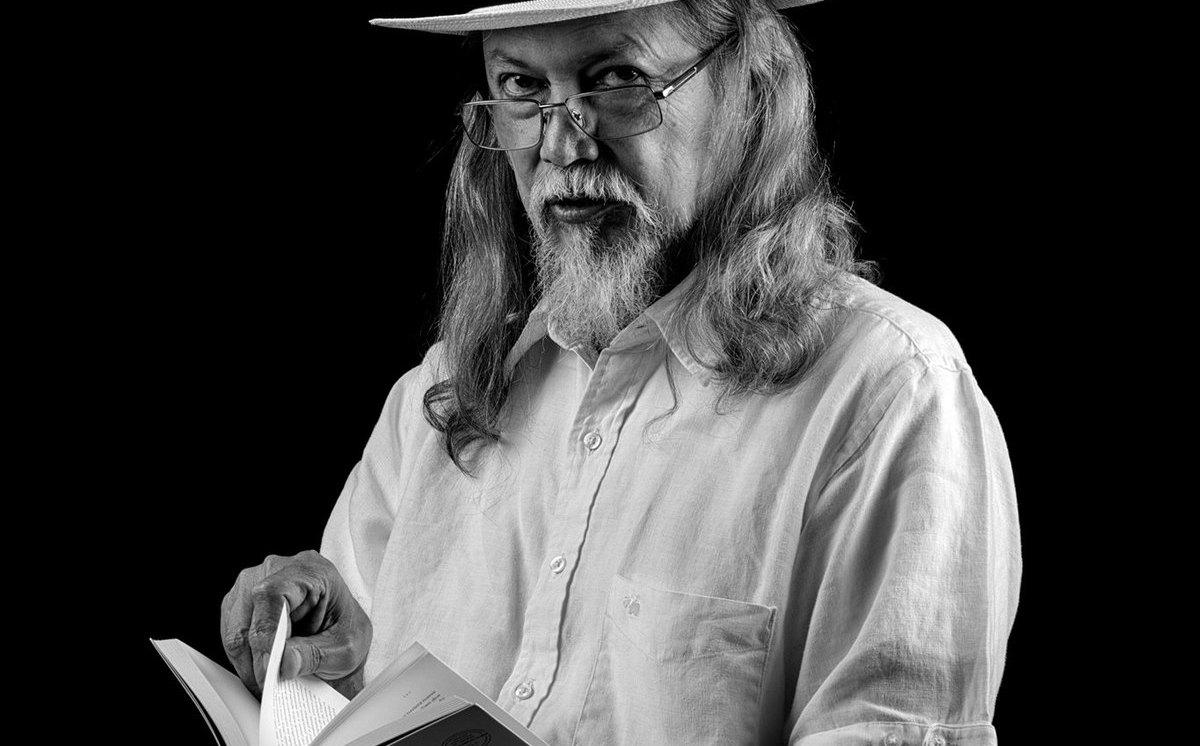 El escritor jalisciense Dante Medina tendrá cinco presentaciones de sus obras - Milenio.com