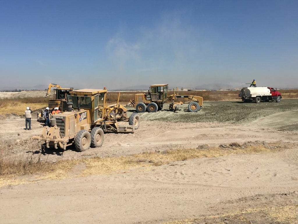 Trabajadores de la Sedena se metieron con maquinaria para realizar labores de construcción, señalaron.