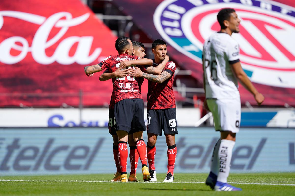 Toluca debuta con victoria sobre el Querétaro en el Nemesio Diez