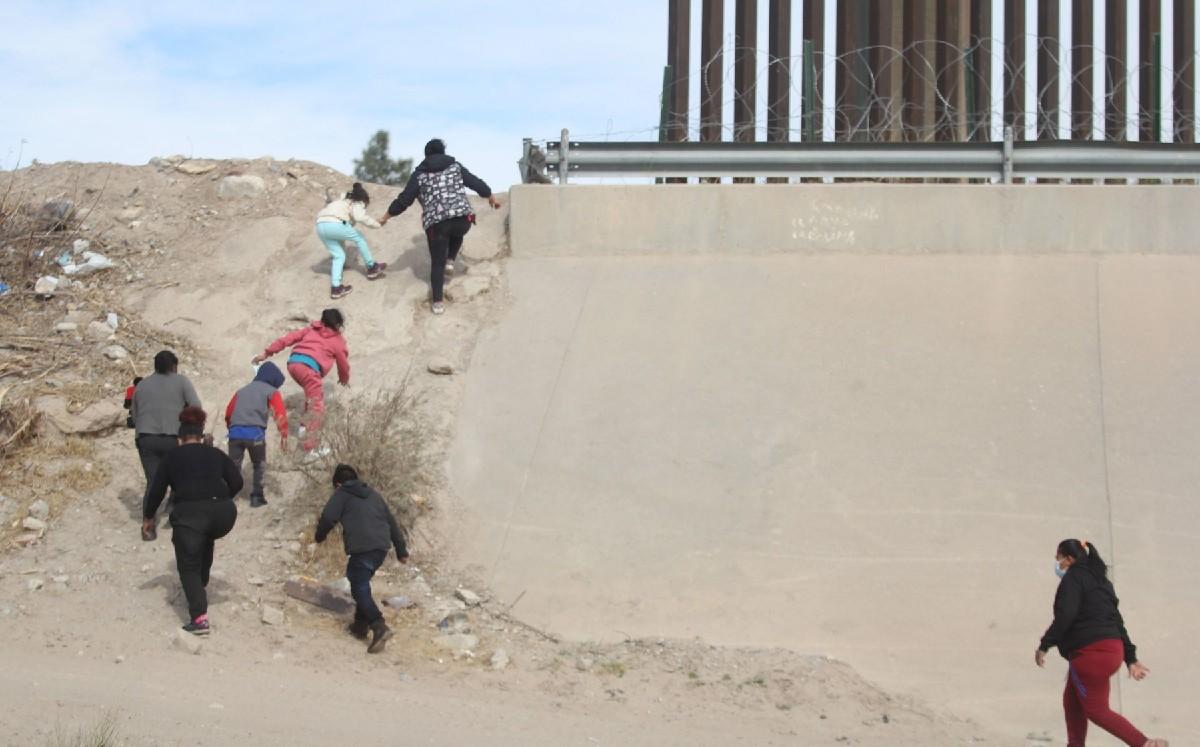 USA. Migrantes pagan hasta 140 mil pesos para cruzar frontera