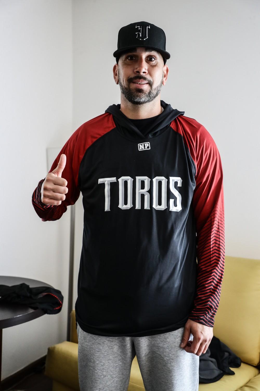 oliver perez pitcher toros tijuana 1 - EsTuRadio.Net - Donde está tu Radio