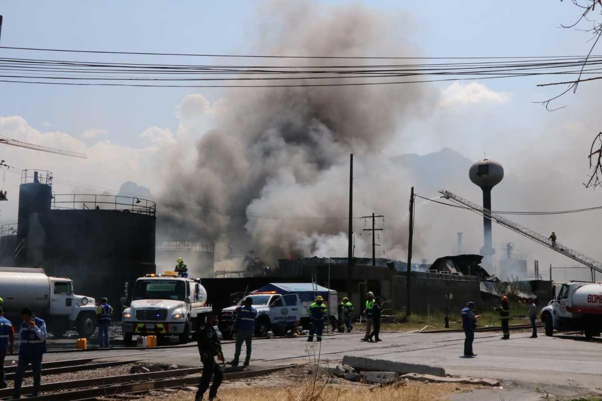 Reportan dos muertos tras incendio en planta de Protexchem